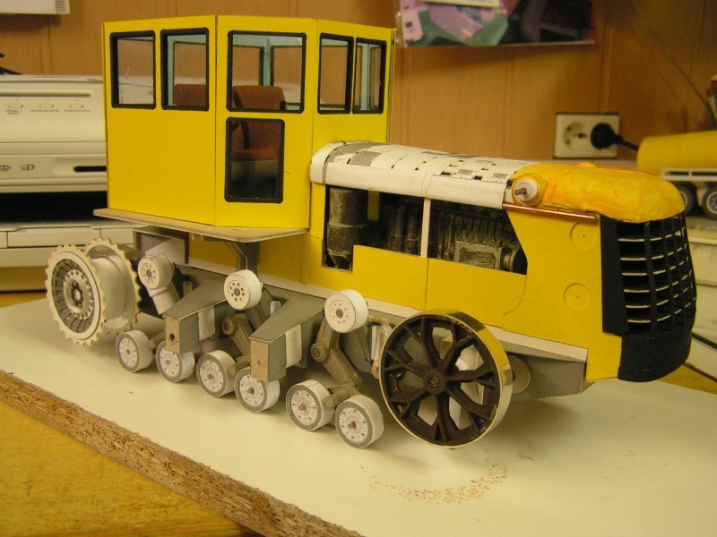 Kettentraktor T180-G  M1:20 gebaut von Klebegold - Seite 3 147k11