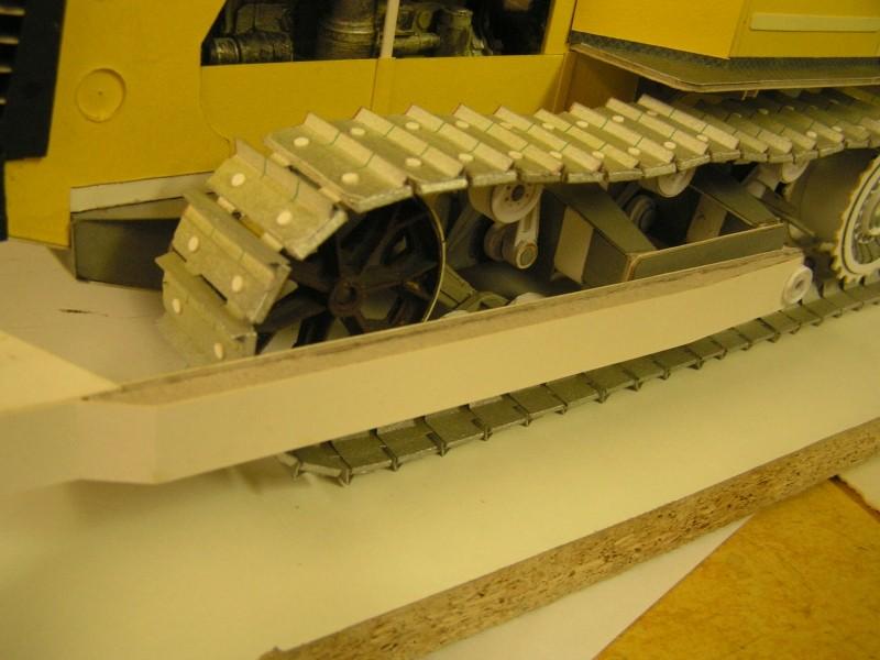 Kettentraktor T180-G  M1:20 gebaut von Klebegold - Seite 3 162k10