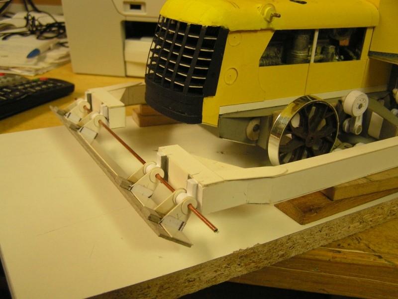 Kettentraktor T180-G  M1:20 gebaut von Klebegold - Seite 3 164k11