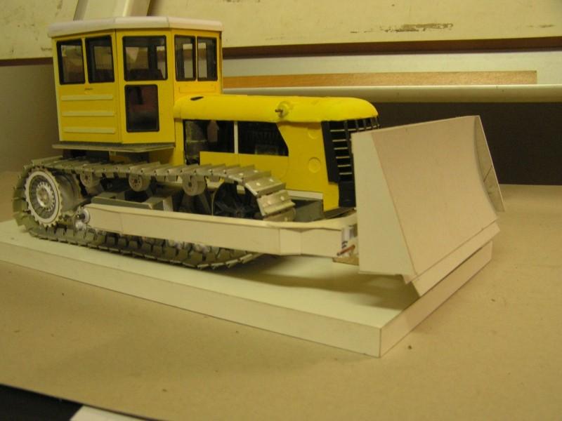 Kettentraktor T180-G  M1:20 gebaut von Klebegold - Seite 3 167k11