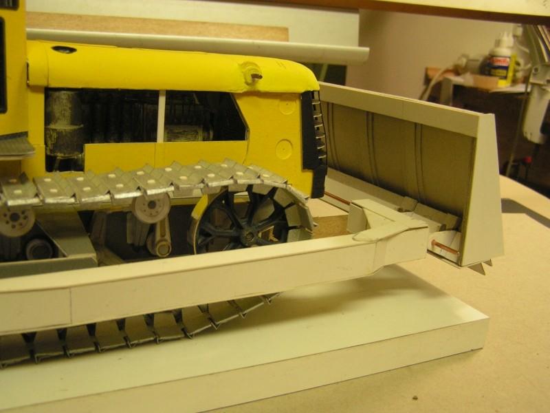 Kettentraktor T180-G  M1:20 gebaut von Klebegold - Seite 3 168k11