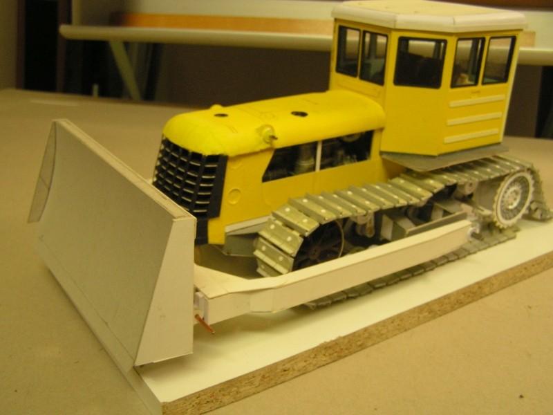 Kettentraktor T180-G  M1:20 gebaut von Klebegold - Seite 3 169k11