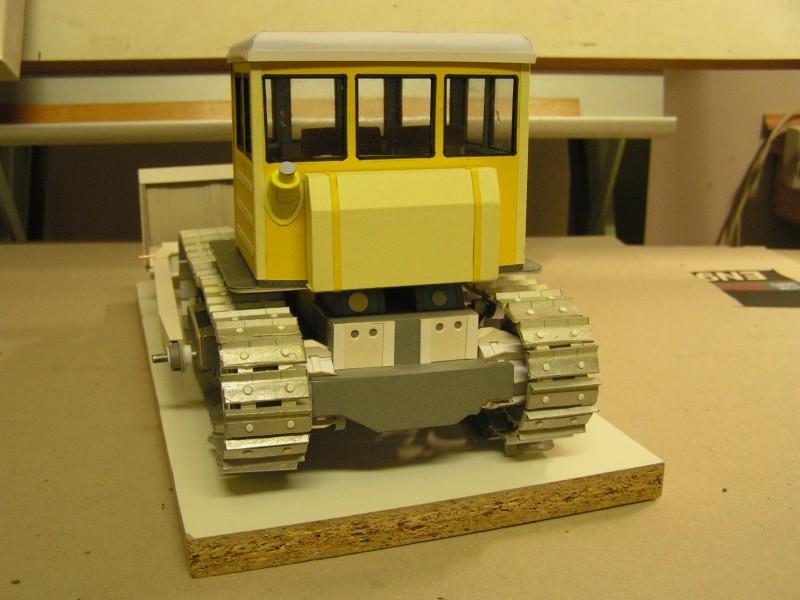 Kettentraktor T180-G  M1:20 gebaut von Klebegold - Seite 3 170k11
