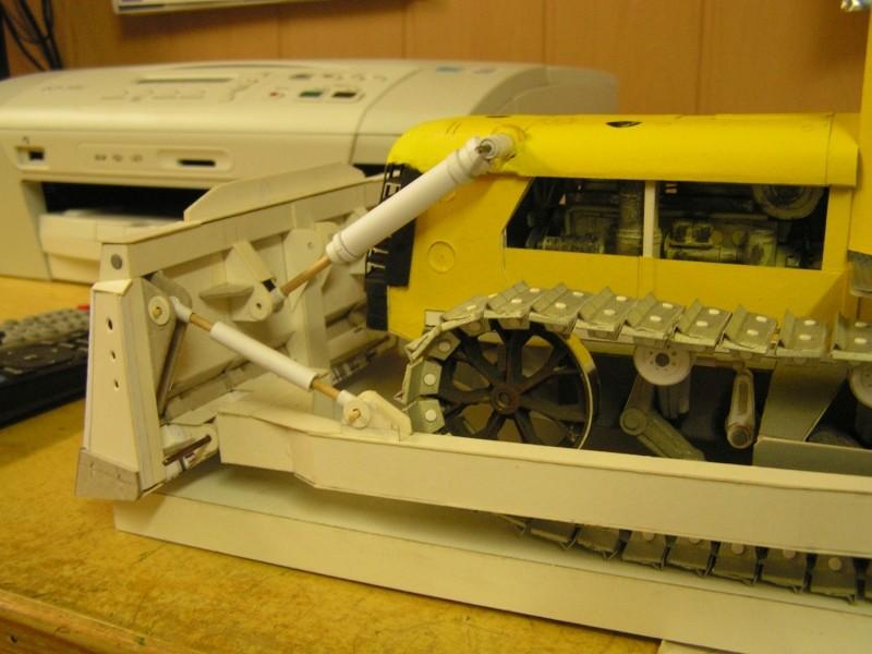 Kettentraktor T180-G  M1:20 gebaut von Klebegold - Seite 3 177k10