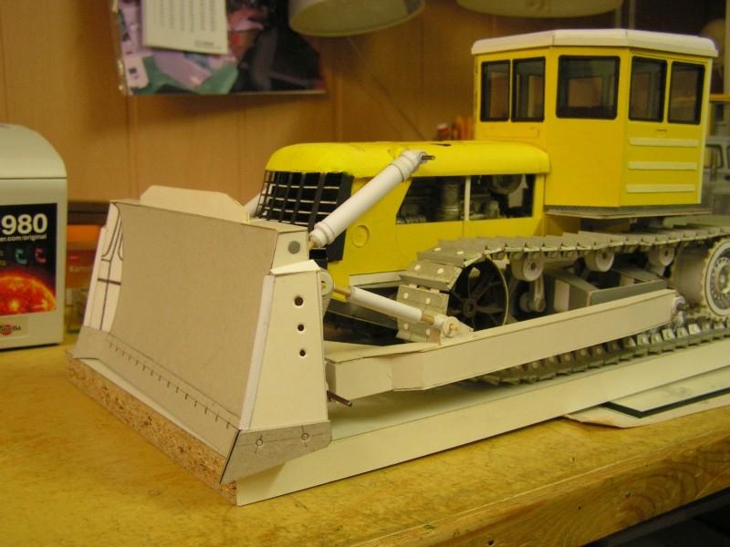 Kettentraktor T180-G  M1:20 gebaut von Klebegold - Seite 3 178k10