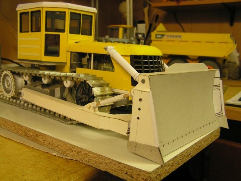 Kettentraktor T180-G  M1:20 gebaut von Klebegold - Seite 3 179k10