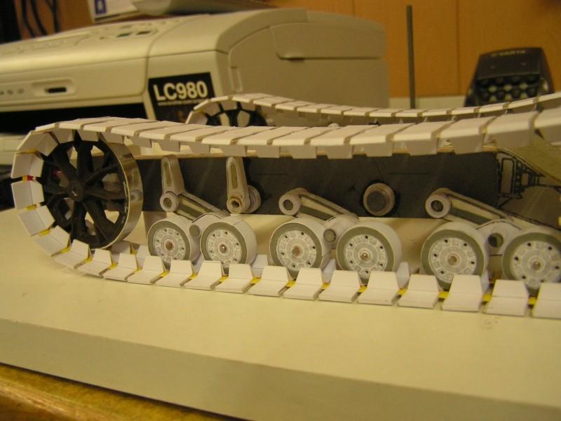 Kettentraktor T180-G  M1:20 gebaut von Klebegold 67k10