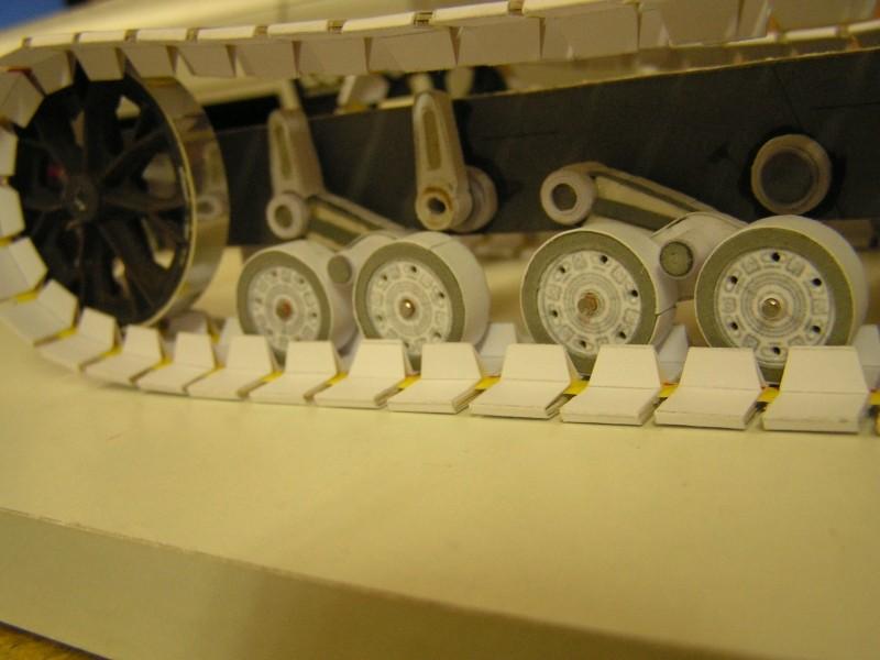 Kettentraktor T180-G  M1:20 gebaut von Klebegold 70k10