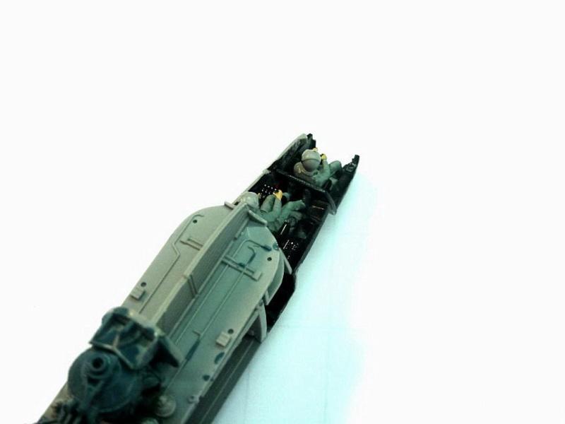 REVELL Mil MI-24 v Hind E au 1/72 Milmi217