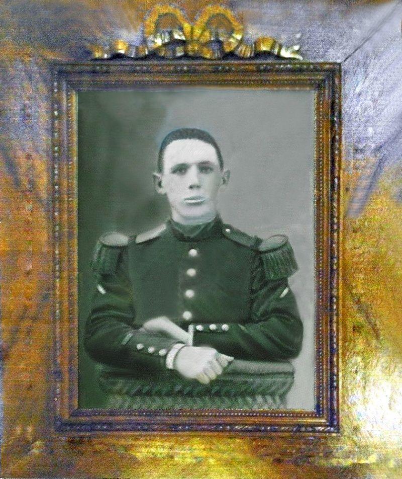 Un petit soldat de la grande guerre : portrait retouché. - Page 2 Soldat13