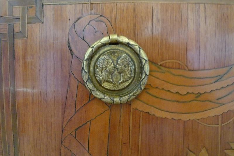 Visite du Comte chez le Baron de Breteuil - Page 5 P1080419