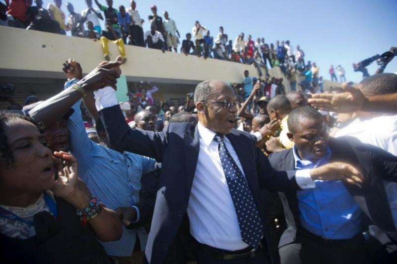 Aristide  est l'homme le plus aimé d'Haiti  73734410