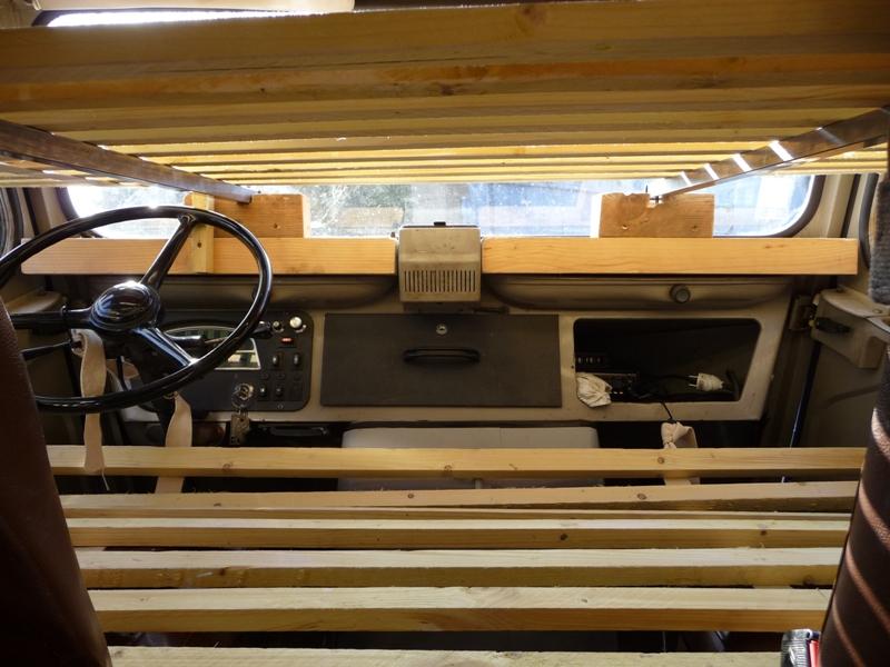 Présentation & Restauration : Transformation d'un type H en camping car moderne ! P1080413
