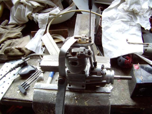 Réparation impossible sur Saito FA 100 Moteur27