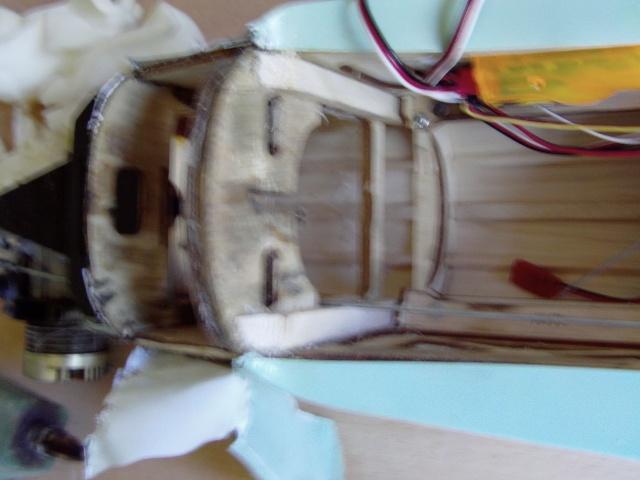 Réparation d'un petit MIG 3 Rypara15