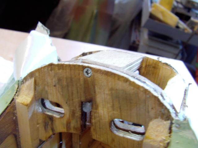 Réparation d'un petit MIG 3 Rypara17