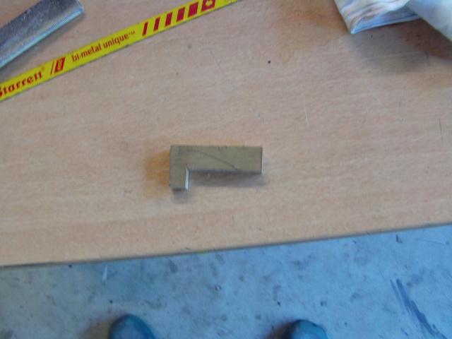 Réparation d'un petit MIG 3 Rypara24