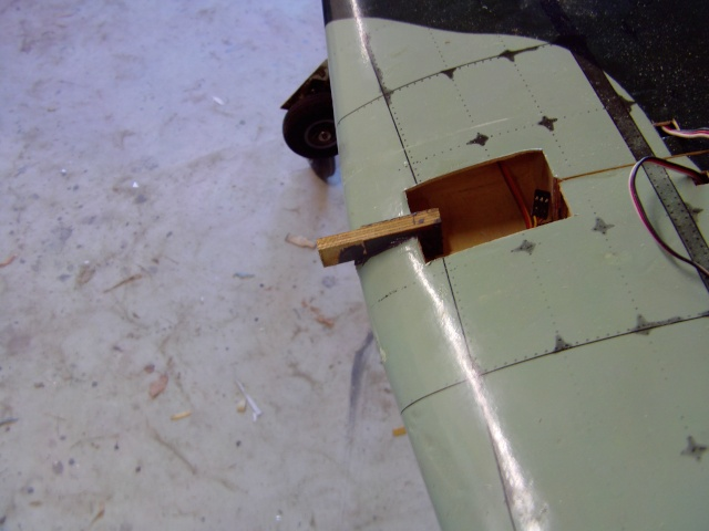 Réparation d'un petit MIG 3 Rypara25