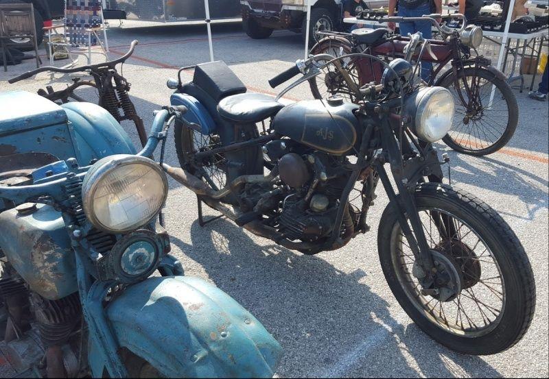 Les vieilles Harley....(ante 84) par Forum Passion-Harley - Page 4 Captur70
