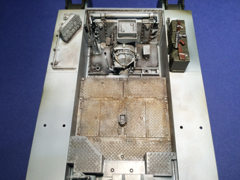 GMC M-10 [ACADEMY - 1/35] Img_1213
