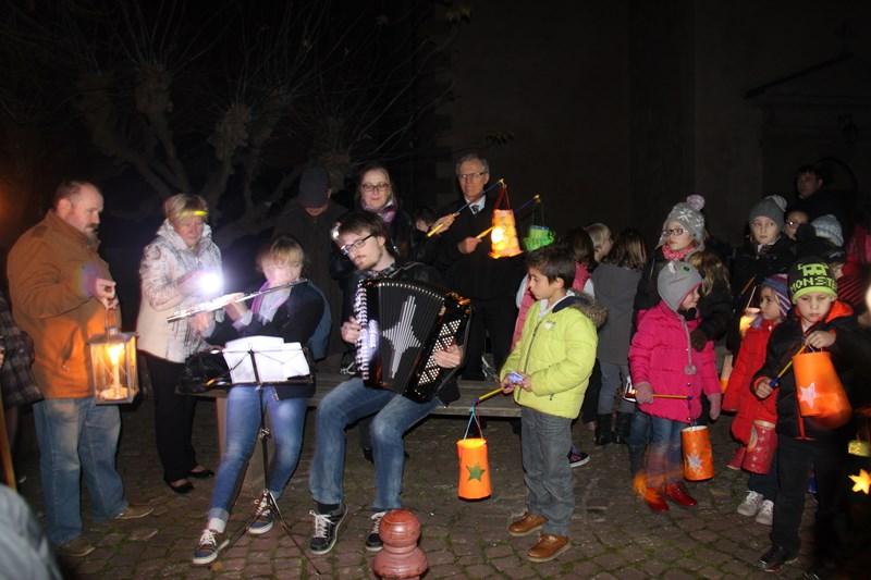 Promenade de la Saint Martin à Wangen,  mercredi 11 novembre 2015 à 18h Img_1043