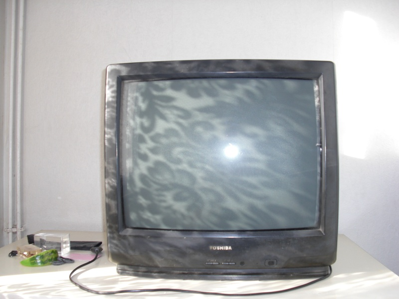 Téléviseur Cathodique Toshiba  (vendu) Cimg7913