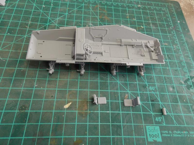 SD.KFZ 234 PUMA Normandie 44  (dragon 1/35) - Page 2 Puma_n38