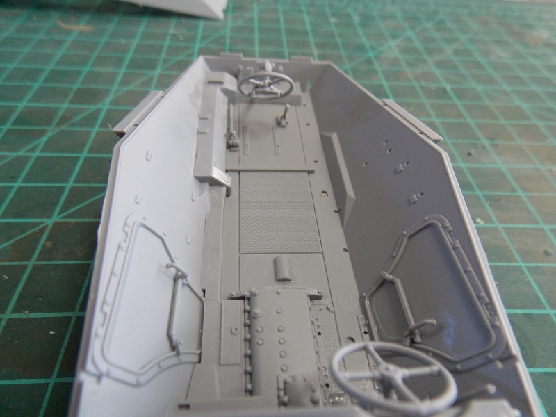 SD.KFZ 234 PUMA Normandie 44  (dragon 1/35) - Page 2 Puma_n39