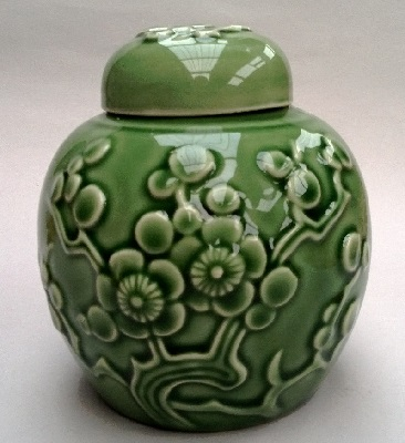 Beautiful ginger jar with cracks ! Ginger10