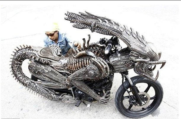 No limit à l'imagination pour les motos, Humour of course! A210