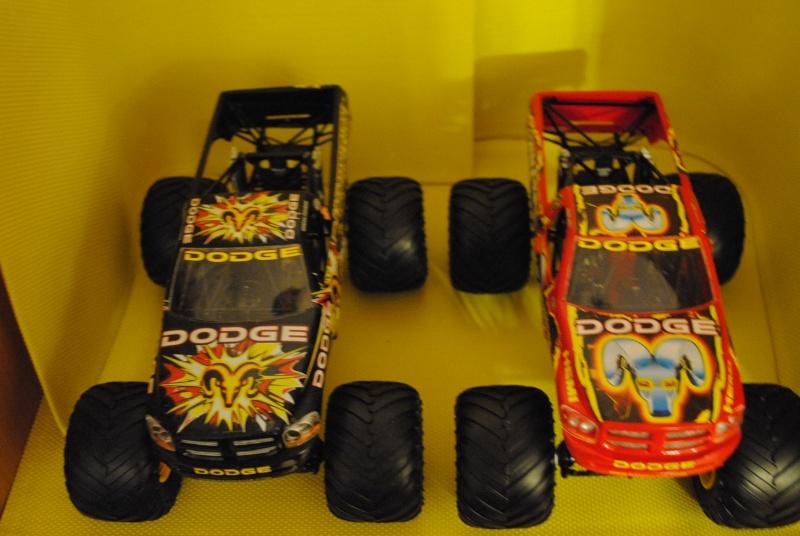 dodge raminator  vs dodge ramunition  Dsc_0924
