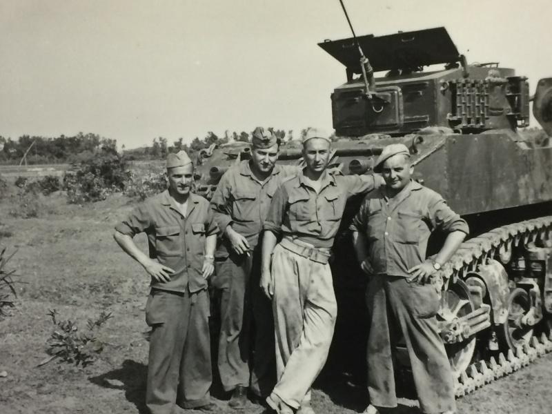 Chars M3 STUART 2ème LGRM 1950-1952 Chars_12