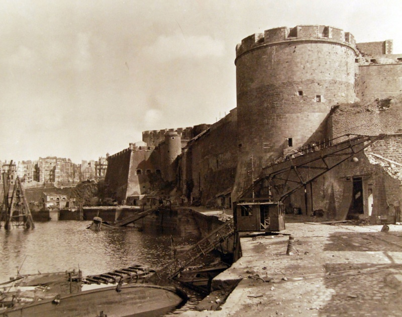 Brest en ruines... - Page 2 15052410