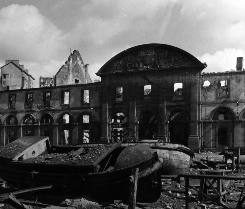Brest en ruines... - Page 2 15487110