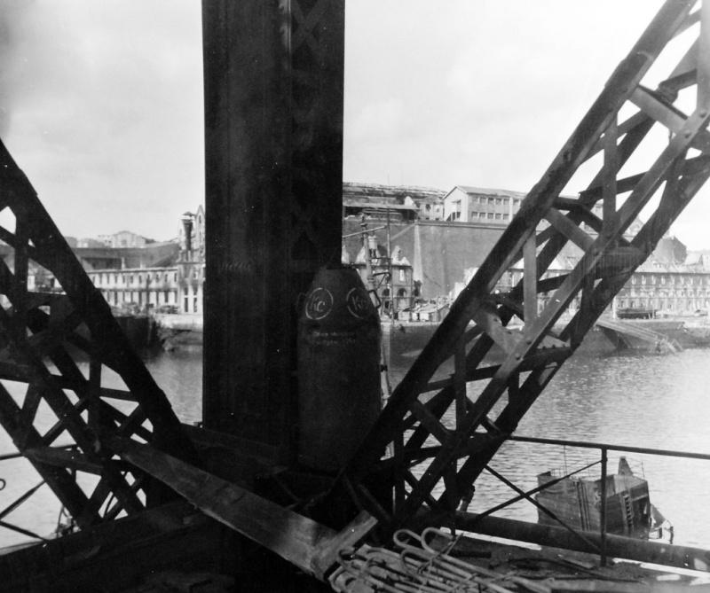 Brest en ruines... - Page 2 15487111