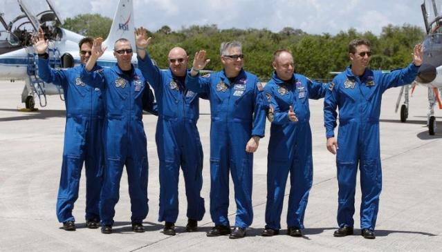 [STS-134] Endeavour : Préparatifs lancement le 29/04/2011 - Page 14 22536610
