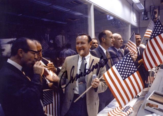 Photos rares et/ou originales, de préférence inédites sur le forum - Page 20 Apollo10