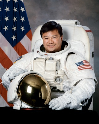 Farewell, my space shuttle - par l'astronaute Leroy Chiao Chiao_10