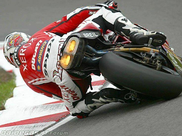 Ducati 999 et 749  - Page 3 A74f1b10