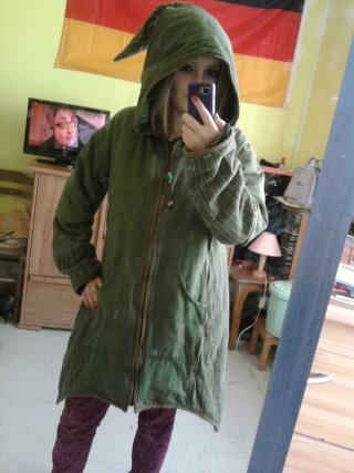 manteau capuche lutin et pantalon large neuf Photo243