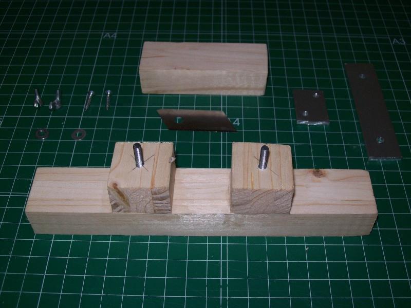 Strip cutter balsa home made (Maquina de cortar listones de balsa casera) 101_0010