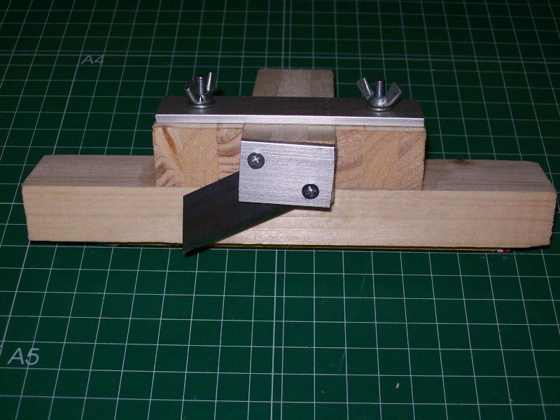 Strip cutter balsa home made (Maquina de cortar listones de balsa casera) 101_0014