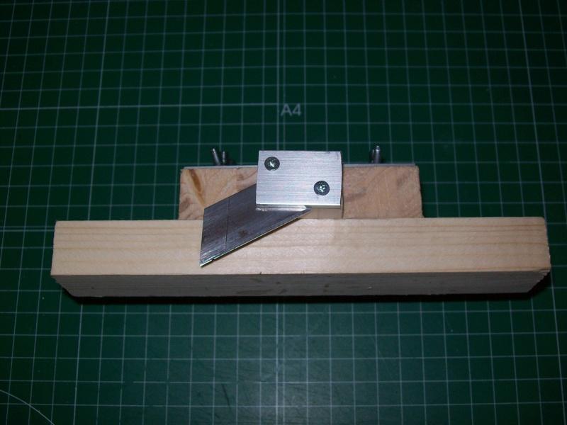 Strip cutter balsa home made (Maquina de cortar listones de balsa casera) 101_0017