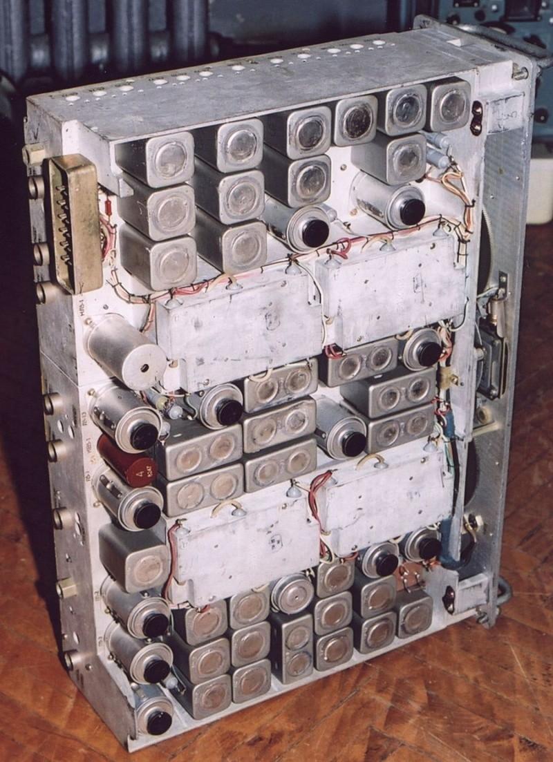 """Приёмник Р-154-2М """"Молибден"""", и что с ним можно сделать радиолюбителю Elemen11"""