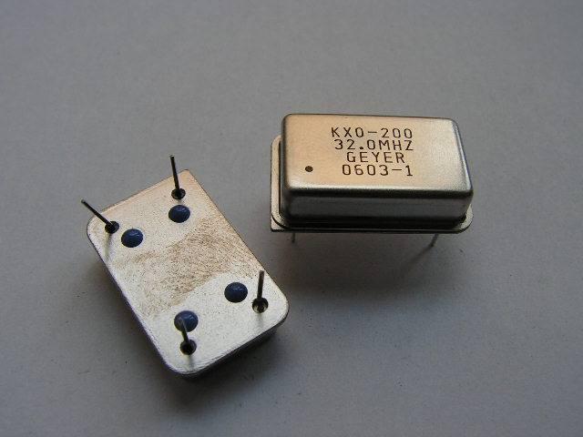Кварцевые генераторы как готовые изделия Uzieea10