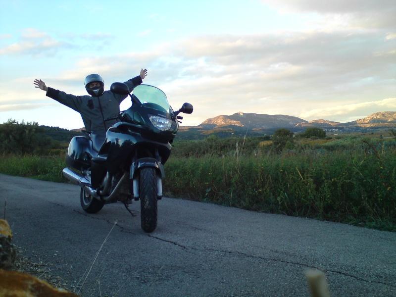"""Concours photo octobre : """"Votre moto et vous"""". - Page 2 Dsc04110"""