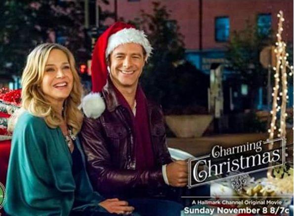 "Julie Benz dans ""Charming Christmas"" Julie25"
