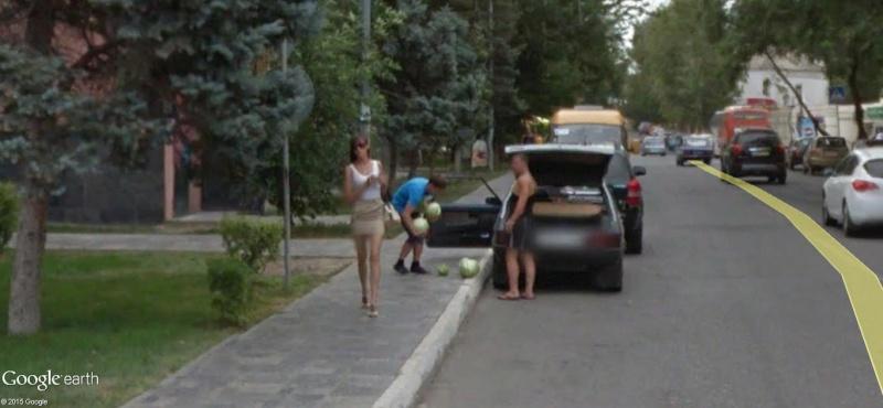 STREET VIEW :La faiblesse de l'homme, c'est la femme. Astrakhan, Russie Dddd10