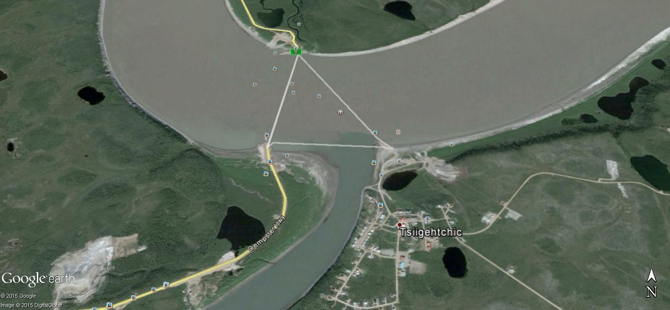 """""""Passe ton bac, d'abord"""". Un prolongement de la route sur le fleuve. Ggg10"""