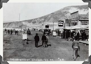 Dawson City, ville témoin de la ruée vers l'or du Klondike. Jw_daw10